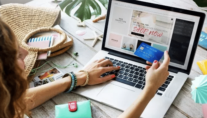 Be careful!  Do you shop online during the festive season?  Beware of fake e-commerce websites