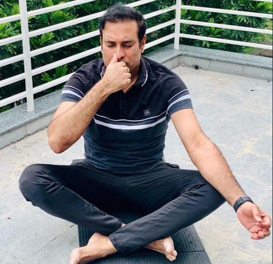 क्रिकेटपटू व्हीव्हीएस लक्ष्मण याचा योगाभ्यास
