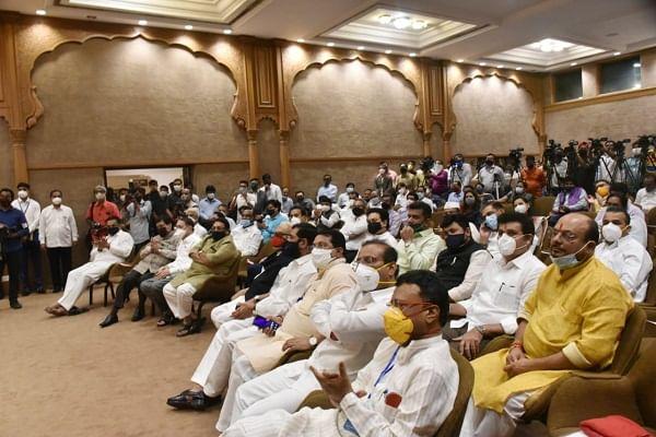 CM Uddhav Thackeray told about interesting phone conversation with Sonia Gandhi