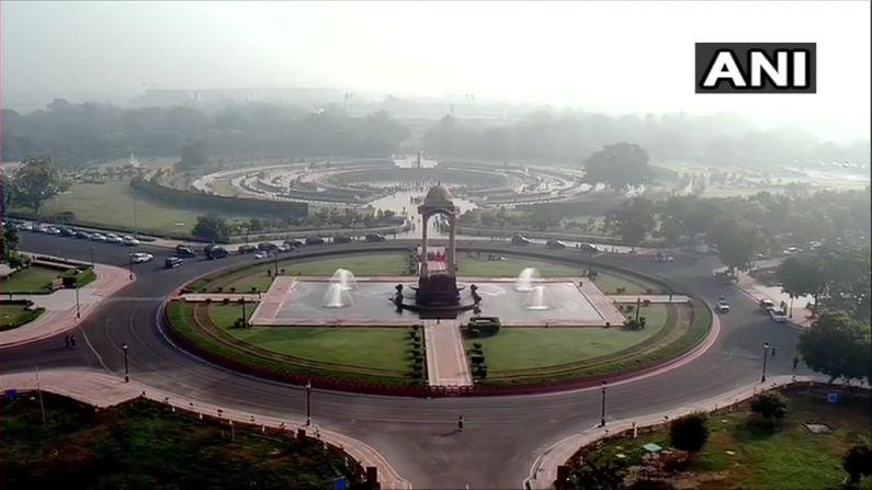 पंतप्रधान मोदींसह संरक्षण मंत्री राजनाथ सिंह आणि CDS बिपिन रावतसुद्धा 'नॅशनल वॉर मेमोरिअल' स्मारकात उपस्थित होते.(फोटो - ANI)