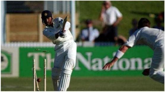न्यूझीलंड विरुद्ध 2002 मध्ये खेळण्यात आलेल्या कसोटीत टीम इंडिया 99 धावावंर ऑल आऊट झाली. न्यूझीलंडने हा सामना 4 विकेट्सने जिंकला होता.
