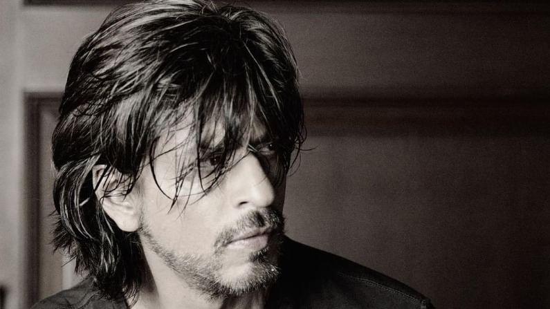 'पठाण' या चित्रपटासाठी बॉलिवूडचा किंग खान अर्थात अभिनेता शाहरुख खाननं 120 कोटी मानधन घेतलं आहे.