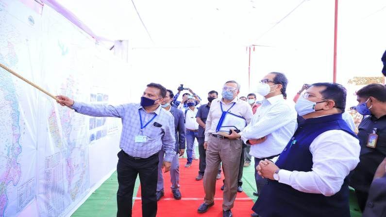 मुख्यमंत्री उद्धव ठाकरे  आज पूर्व विदर्भाच्या दौऱ्यावर आहेत. भंडारा आणि चंद्रपूर जिल्ह्यातील सिंचन प्रकल्पांना त्यांनी भेट दिली. मुख्यमंत्र्यांनी गोसी खुर्द प्रकल्पाला भेट दिली.