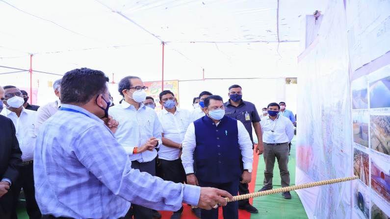 मुख्यमंत्री उद्धव ठाकरेंनी गोसी खुर्द धरण प्रकल्पाला भेट दिली, त्यावेळी मदत व पुर्नवसन मंत्री विजय वडेट्टीवार उपस्थित होते.