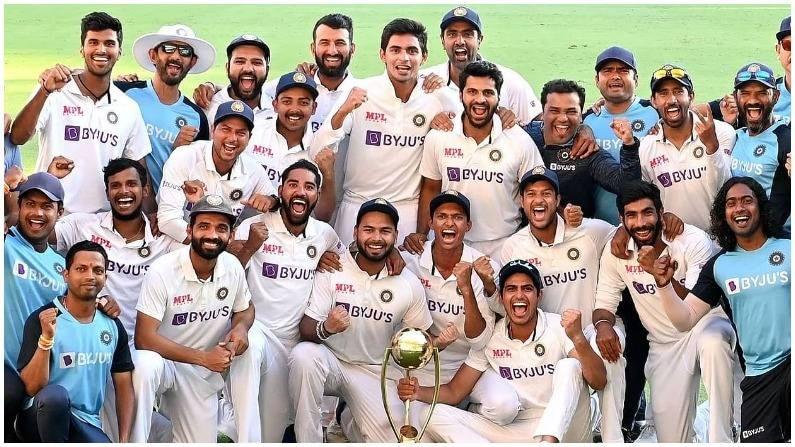 ऑस्ट्रेलियाला पराभूत केल्यानंतर इंग्लंड विरुद्ध खेळण्यासाठी टीम इंडिया उत्सुक आहे. इंग्लंड भारत दौऱ्यात टीम इंडिया विरुद्ध कसोटी, टी 20 आणि एकदिवसीय मालिका खेळणार आहे.