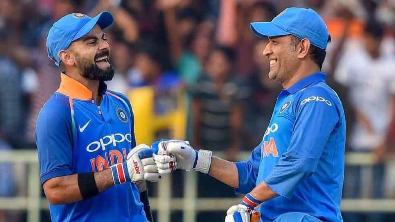 धोनीने आपल्या नेतृत्वात मायदेशात सर्वाधिक कसोटी विजय मिळवून दिले आहे. धोनीने एकूण 21 कसोटींमध्ये टीम इंडियाला विजयी केलं आहे. तर विराटने आतापर्यंत एकूण 20 सामन्यात प्रतिस्पर्धी संघाला पराभवाची धूळ चारली आहे. त्यामुळे विराटने आपल्या नेतृत्वात एक सामना जिंकवल्यास धोनीच्या विक्रमाची बरोबरी होईल. तर 2 सामन्यात प्रतिस्पर्धी इंग्लंडला पराभूत केल्यास धोनीचा विक्रम मोडीतही निघेल.