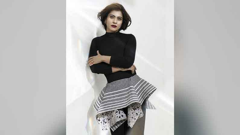 काजोलच्या या ड्रेसची किंमत तब्बल 19,000 रुपये इतकी आहे.