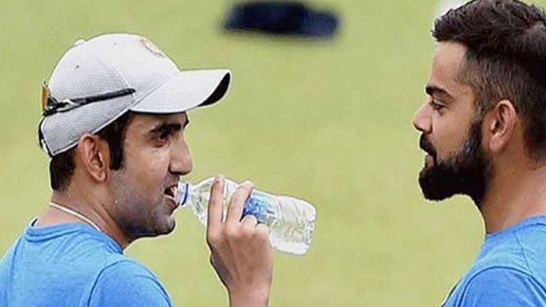 इंग्लंडविरुद्धच्या कसोटी मालिकेत कोहली कर्णधार म्हणून पुनरागमन करेल. ऑस्ट्रेलियाविरुद्धच्या शेवटच्या तीन कसोटी सामन्यांमध्ये विराट खेळू शकला नाही कारण तो पॅरेंटल लिव्ह घेऊन भारतात आला होता.