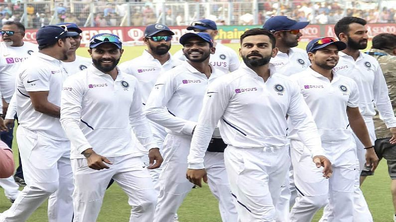 टीम इंडियाचे सर्वच खेळाडू हे ऑस्ट्रेलिया दौऱ्यापासून चांगल्या फॉर्मात आहेत. त्यात अनुभवी विराट आणि इशांतचे पुनरागमन झाले आहे. यामुळे बॅटिंग आणि बोलिंग साईड आणखी मजबूत झाली आहे. त्यामुळे इंग्लंडसमोर टीम इंडियाचे तगडे आव्हान असणार आहे.