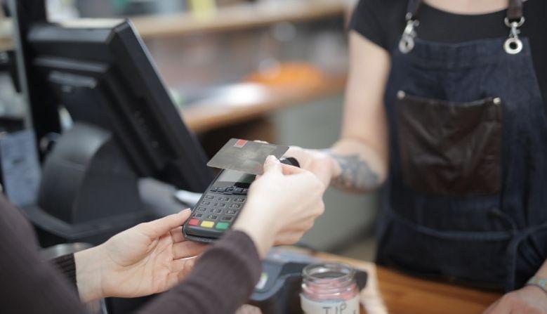 आयएएफसी कोड(IFSC Code) कसा मिळवाल? - बँकेकडून सिस्टम इंटीग्रेशन दरम्यान ग्राहकांना पाठवलेल्या मॅसेजमध्ये याबाबत माहिती देण्यात आली होती.