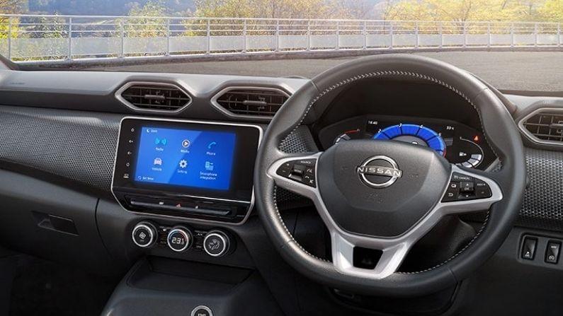 Nissan Magnite मध्ये दोन इंजिन ऑप्शन्स दिलेले आहेत. त्यापैकी पहिलं नॅचुरली एस्पिरेटेड पेट्रोल इंजिन आहे तर दुसरं टर्बोचार्ज्ड पेट्रोल इंजिन आहे. या SUV चं नॅचुरली एस्पिरेटेड इंजिन 999cc आहे, जे 6,250rpm वर 71 बीएचपी इतकी पॉवर जनरेट करु शकतं आणि 3,500rpm वर 96nm इतकं पीक टॉर्क जनरेट करत. हे इंजिन मॅन्युअल गियरबॉक्स आणि एएमटी ट्रान्समिशनसह सादर करण्यात आलं आहे. दुसरं इंजिन 1.0 लीटर टर्बोचार्ज्ड पेट्रोल इंजिन देण्यात आलं आहे. जे 5,000 आरपीएम वर 99 बीएचपीची पॉवर आणि 2,800 आरपीएम वर 160 एनएम टॉर्क जनरेट करतं.