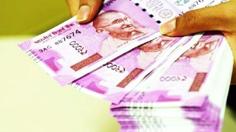 अनेकदा लोक डॉलरच्या तुलनेत भारतीय रुपयाकडे पाहतात आणि आपल्या चलनाला कमकुवत मानतात. मात्र असे बरेच देश आहेत जेथे भारतीय रुपयाचं मूल्य खूप जास्त आहे. अशा देशांमध्ये आपण स्वत:ला श्रीमंत समजू शकतो. अशा देशांमध्ये प्रवास करणं खूप स्वस्त आहे.