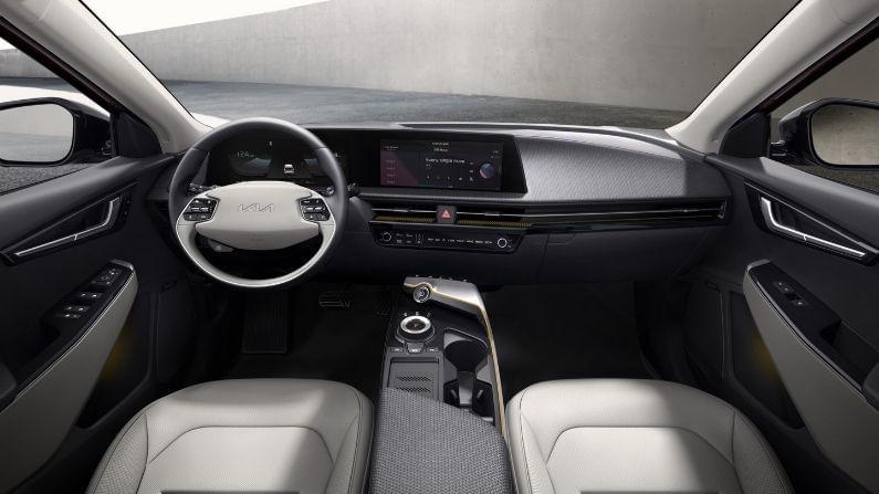 Kia EV6 ची बॅटरी पॉवर या कारला विशेष बनवते आणि नवीन फिलॉसफीसह या करचं डिझाइन तयार केलं आहे. कंपनी आता लवकरात लवकर अजून काही इलेक्ट्रिक व्हिकल सादर करणार आहे.