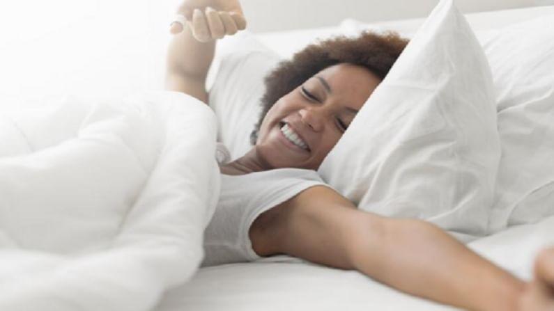 यानंतर, 10 सेकंदात आपल्या डोक्यातील सर्व विचार करणे बंद करा. 10 सेकंदांसाठी हे मनात बोला विचार करू नका, विचार करू नका, विचार करू नका. 6 आठवडे अभ्यास केल्यानंतर हे सिध्द झाले की, ही झोप लागण्यासाठीची टेक्निक सुमारे 96 टक्के लोकांसाठी प्रभावी ठरली.
