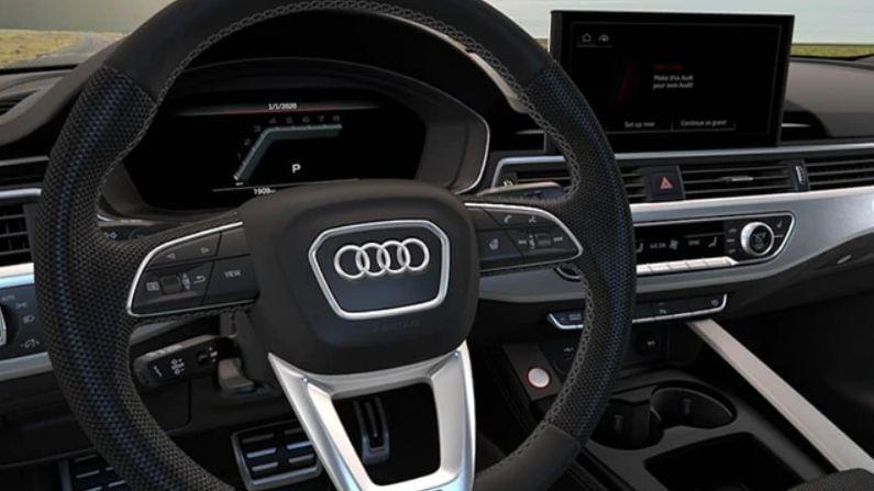 Audi S5 Sportback मध्ये टर्न सिग्नलसह एलईडी रियर लाइट आहे. त्यास आतील बाजूस एक फ्लॅट-बॉटम स्टीयरिंग व्हील, स्पोर्ट फ्रंट सीट्स, केबिनसाठी टोन सेट करण्यासाठी कम्फर्ट आणि स्पोर्टिनेसचा कॉम्बो दिला जातो.