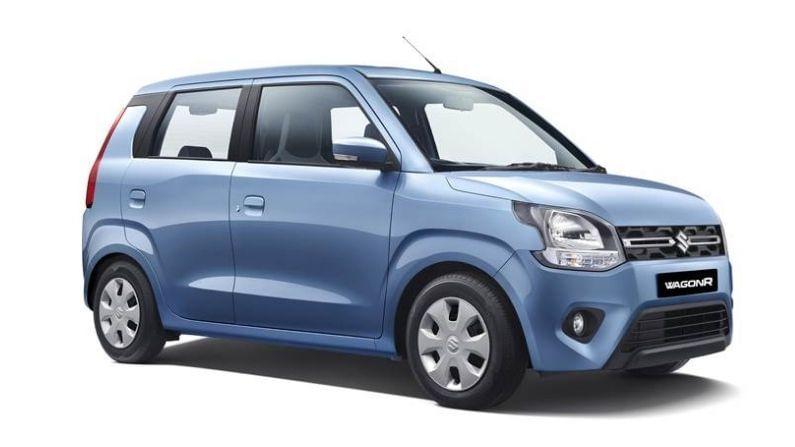 या यादीत तिसऱ्या स्थानी मारुती सुझुकीचीच कार आहे. मारुती सुझुकीची WagonR 18,757 युनिट्स विक्रीसह तिसऱ्या क्रमांकावर आहे. फेब्रुवारीत हा आकडा 28,728 युनिट्स इतका होता. याचाच अर्थ या महिन्यात WagonR चा सेल खूपच कमी झाला आहे.