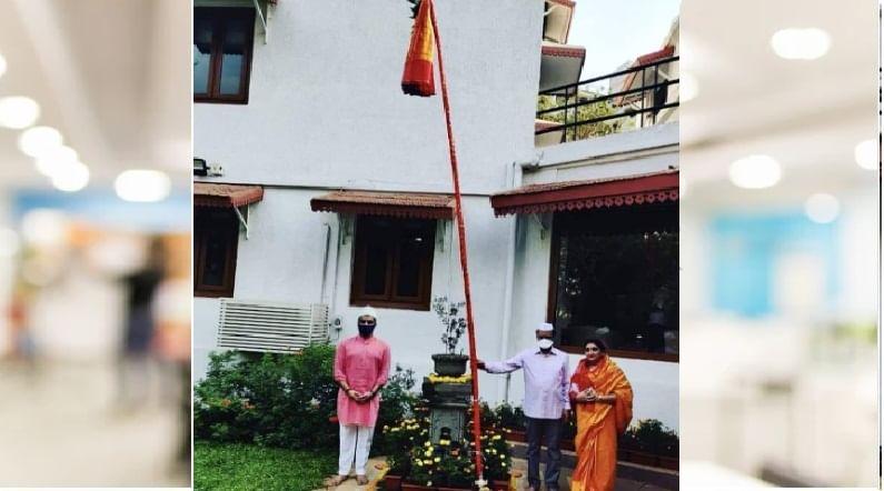 उपमुख्यमंत्री अजित पवार यांनी मुंबईतील देवगिरी निवासस्थानी सहकुटुंब गुढी उभारली