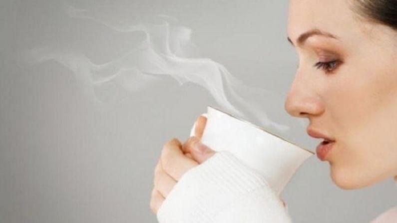 एक कप गरम पाणी पिल्याने तुमची उर्जा पातळी वाढते. हे आपली पाचक प्रणाली योग्य करते.