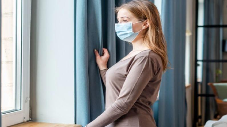 घराच्या सदस्यांची काळजी घ्या : जर घरात कोणी कोरोना रुग्ण असेल तर, 24 ते 50 वर्षे वयोगटातील कोणीही व्यक्ती त्याची काळजी घेऊ शकेल. काळजीवाहू व्यक्ती शारीरिकदृष्ट्या निरोगी असावा. रुग्णाची काळजी घेत असलेल्या व्यक्तीस कर्करोग, दमा, श्वसनविषयक समस्या, मधुमेह किंवा रक्तदाब यासारखा गंभीर आजार असू नये.