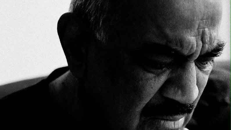 यानंतर शिवाजी साटम यांनी 'गुलाम-ए-मुस्तफा', 'सूर्यवंशम', 'वास्तव', 'पुकार', 'नायक', 'गर्व' आणि 'टॅक्सी नंबर 9211' या सारख्या चित्रपटांमध्ये काम केले आहे.