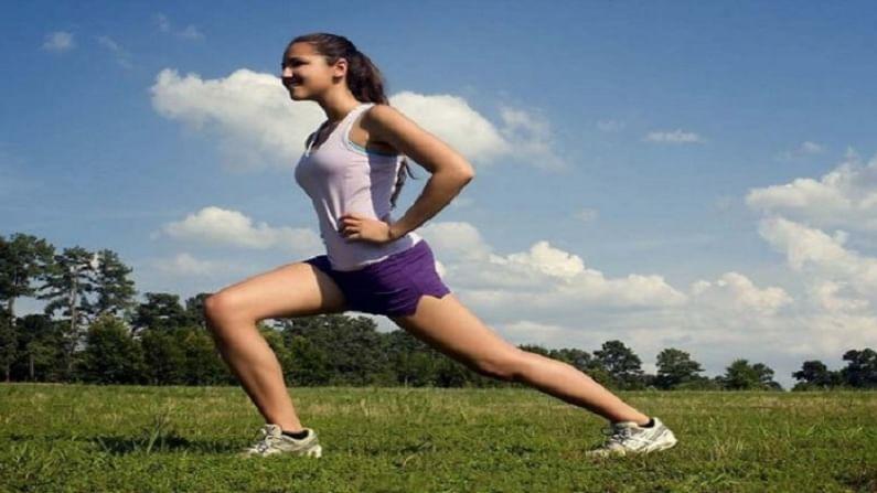 दररोज नियमित व्यायाम करा. यामुळे रक्तातील साखर पातळीवरील नियंत्रणाखाली राहते. आरोग्याच्या इतर अनेक समस्यांसाठी ते फायदेशीर आहे.