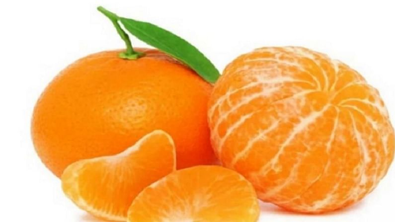 उन्हाळ्यात संत्री खाणे आपल्या आरोग्यासाठी फायदेशीर असते. यामुळे आपले शरीर थंड राहते. संत्रीपोटॅशियमची कमतरता दूर करण्यात मदत करते.