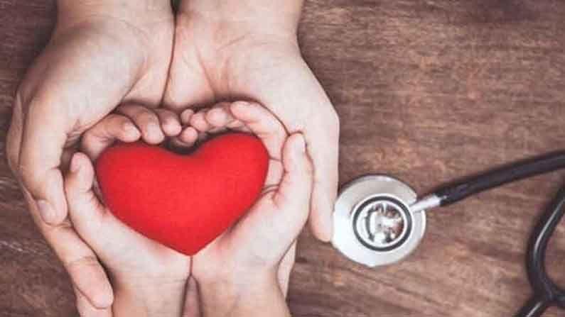 इतर संशोधनात असे दिसून आले आहे की, कोरोनामुळे रक्ताच्या गुठळ्या होण्याचा धोका वाढू शकतो, ज्यामुळे हृदयाचे नुकसान होऊ शकते किंवा काही लोकांमध्ये हृदयविकाराचा झटका येऊ शकतो.