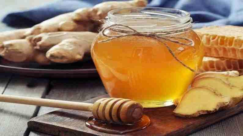 मध एक उत्तम पर्याय आहे कारण त्यात अँटीऑक्सिडंट्स, खनिजे आणि जीवनसत्त्वे असतात.