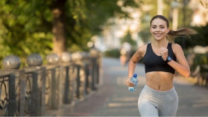 नियमित व्यायाम करा. यामुळे तुमचा रक्तदाब कमी होतो हे तुमचे हृदय निरोगी ठेवते. दिवसातून कमीत-कमी एक तास तरी व्यायाम केला पाहिजे.