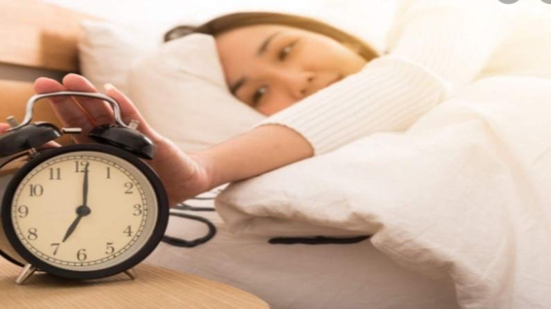 ब्लड प्रेशर नियंत्रित ठेवण्यासाठी आरामदायक झोप घेणे खूप आवश्यक आहे. हे आपल्याला बर्याच रोगांपासून वाचवण्यास मदत करते.