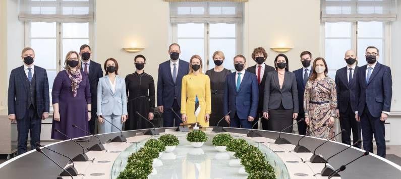 यानंतर एस्टोनियाच्या संसदेपासून तर युरोपियन संघाच्या संसदेपर्यंत निवडणूक लढवत त्यांनी यशस्वी वाटचाल केली. या काळात त्यांनी आपल्या नेतृत्वातील गुण सिद्ध केले.