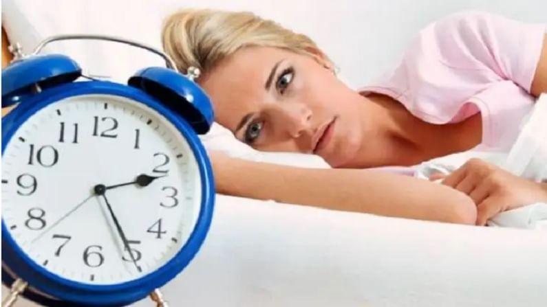 झोप व्यवस्थित झाली नाहीतर थकवा आणि तणाव वाढतो. याचा परिणाम रक्ताभिसरणांवर होतो. यामुळे, शरीरात चरबी जमा होण्यास सुरवात होते.