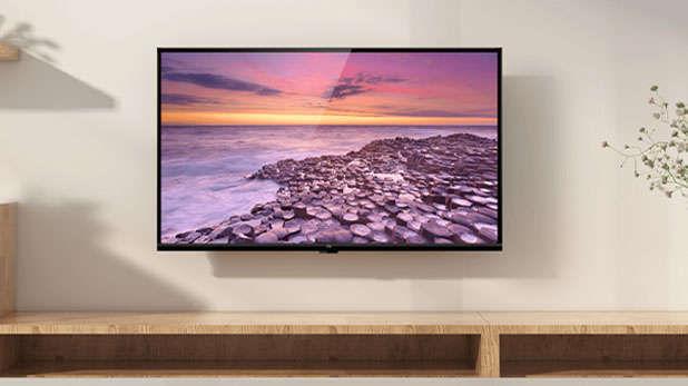 सर्वात आधी बाजारात साधे टीव्ही होते. परंतु हे टीव्ही खूप हेवी (वजनदार), आकाराने मोठे होते, तसेच त्यावर मोठ्या प्रमाणात वीज खर्च होत होती. त्यामुळे त्यात अनेक अपडेट्स होऊन बाजारात LCD ( Liquid-Crystal Display) टीव्ही दाखल झाले. त्यानंतर या LCD टीव्हींना मोठ्या प्रमाणात मागणी वाढली. त्यानंतर यामध्ये अजून अपडेट्स झाले आणि बाजारात LED टीव्ही दाखल झाले. आता LED (Light-Emitting Diode) टीव्हींना बाजारात मोठी मागणी आहे. परंतु तुम्हाला माहिती आहे का या LCD आणि LED टीव्हींमध्ये काय फरक आहे. जर तुम्हाला याबाबत माहिती नसेल तर ही बातमी तुमच्यासाठी आहे.