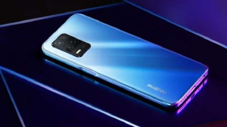 Realme 8 5G : या स्मार्टफोनची किंमत 14,999 रुपये इतकी आहे, यात तुम्हाला डायमेन्सिटी 700 प्रोसेसर आणि 1080 पिक्सल डिस्प्ले मिळेल. याशिवाय यात 5000 mAh बॅटरीसोबत 4 जीबी रॅम आणि 128 जीबी स्टोरेज आहे. हा फोन ड्युअल नॅनो सिम कार्ड पर्यायासह उपलब्ध आहे.