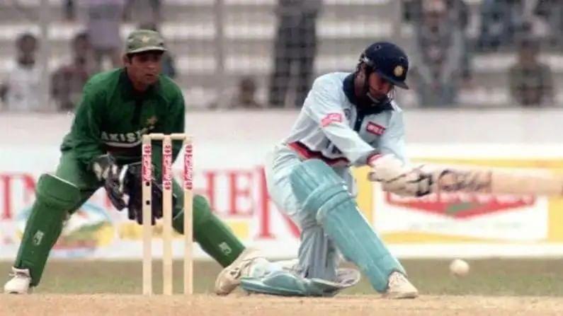 रॉबिन सिंगने क्रिकेटच्या प्रथम श्रेणी कारकीर्दीची सुरुवात तमिळनाडू संघाकडून केली. खरं तर भारतीय संघात येण्यासाठी त्याला बरीच वाट पाहावी लागली. 1989 मध्ये वेस्ट इंडीज विरुद्ध त्रिनिदाद येथे त्याने एकदिवसीय सामन्यात पदार्पण केलं. मात्र, त्यानंतर त्याने आणखी एकच वनडे सामना खेळू खेळला. त्यानंतर संघात पुनरागमन करण्यासाठी त्याला सात वर्षे वाट पाहावी लागली.