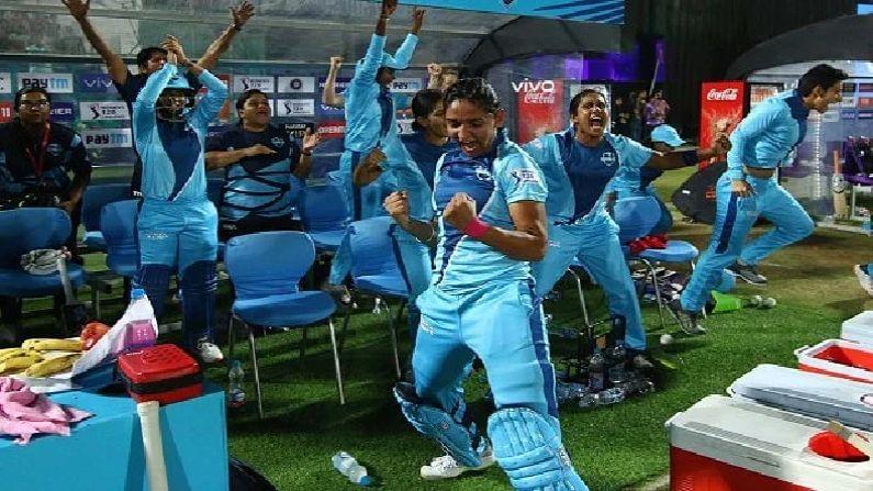 यापूर्वी रॉड्रिग्ज, हरमनप्रीत कौर, स्मृती मंधाना आणि दीप्ती शर्मा इंग्लंडच्या टी -20 लीग किआ सुपर लीगमध्ये खेळल्या आहेत. हंड्रेडच्या आधी भारतीय संघ इंग्लंड विरुद्ध 16 जून ते 15 जुलै दरम्यान 1 कसोटी, 3 एकदिवसीय आणि 3 टी -20 सामने खेळणार आहे.