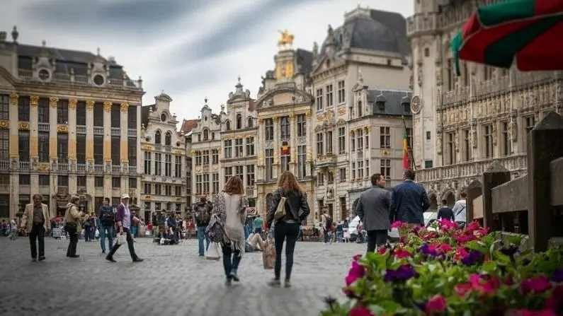 यूरोपमझीस बेल्जियमध्ये फ्लेमिश डच, फ्रेंच आणि जर्मन अशा 3 अधिकृत भाषा आहे. इथं इंग्रजीही बोलली जाते. बेल्जियममध्ये 52 हजार डॉलर म्हणजेच वर्षाला जवळपास 38 लाख रुपये पगार मिळतो.