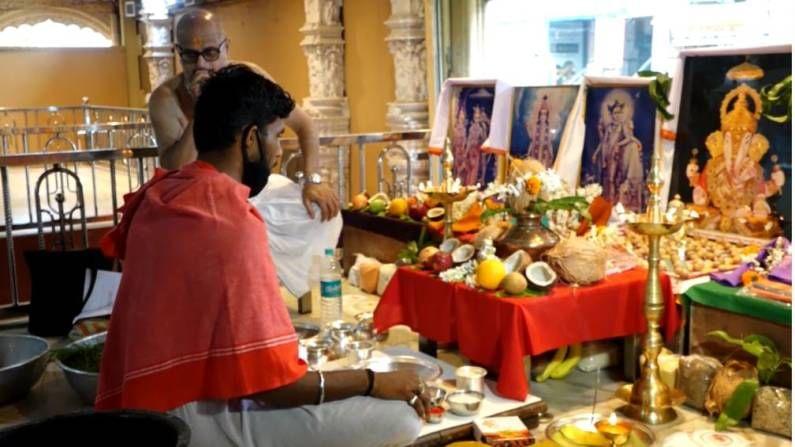गणेश जयंतीनिमित्त मंदिरात सोमवारी सकाळी ब्रह्मवृंदांच्या उपस्थितीत धार्मिक विधी पार पडले.