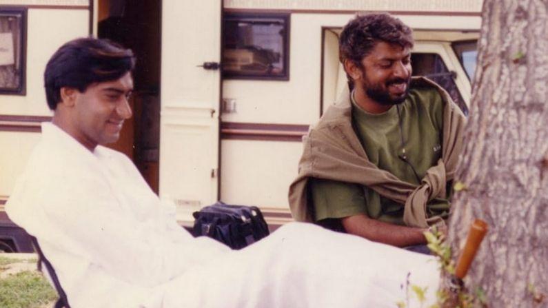 आज 22 वर्षांपूर्वी संजय लीला भन्साळी यांचा 'हम दिल दे चुके सनम' हा आयकॉनिक चित्रपट सिनेमागृहात प्रदर्शित झाला होता. भव्य सेट्स आणि चित्तवेधक निर्मितींसह या चित्रपट निर्मात्यानं 1999 साली प्रेक्षकांना एका वेगळ्याच जगात नेलं होतं. या चित्रपटात अजय देवगन, सलमान खान आणि ऐश्वर्या राय मुख्य भूमिकेत होते.
