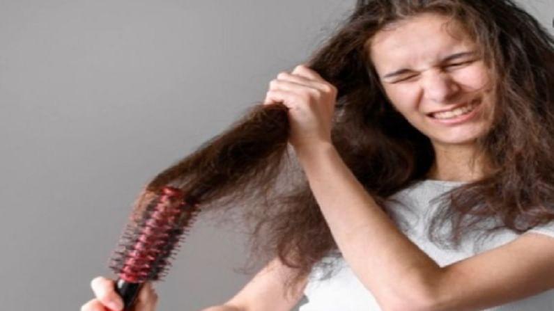 आपल्या केसांना योग्य पोषण मिळण्यासाठी आणि ते चमकदार होण्यासाठी, केस धुतल्यानंतर कंडीशनिंग करणे महत्वाचे आहे. तसेच, बाजारात आधीपासूनच बऱ्याच प्रकारचे कंडिशनर्स आहेत. कंडिशनरमुळे आपल्या केसांचे सूर्याच्या किरणापासून संरक्षण होते.