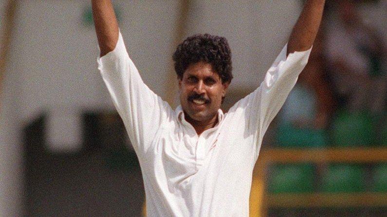 कुंबळेनंतर नंबर लागतो भारताचे माजी कर्णधार कपिल देव यांचा. कपिल यांनी परदेशी टेस्टमध्ये 215 विकेट्स घेते आहेत. तर टेस्ट कारकिर्दीत त्यांच्या नावे 434  विकेट्स आहेत.