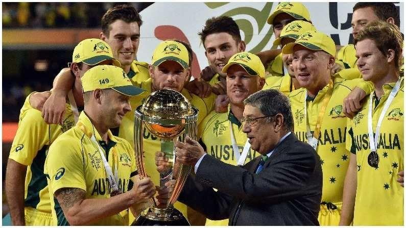 2015 वर्ल्ड कप फायनल ऑस्ट्रेलिया आणि न्यूझीलंड यांच्यात खेळली गेली. टीम इंडिया डिफेंडिग चॅम्पियन होती.परंतु यावर्षी टीम इंडियाला अंतिम फेरी गाठता आली नाही. 29 मार्च 2015 रोजी झालेल्या अंतिम सामन्यात न्यूझीलंडला पराभूत करून ऑस्ट्रेलिया नवीन चॅम्पियन बनली.