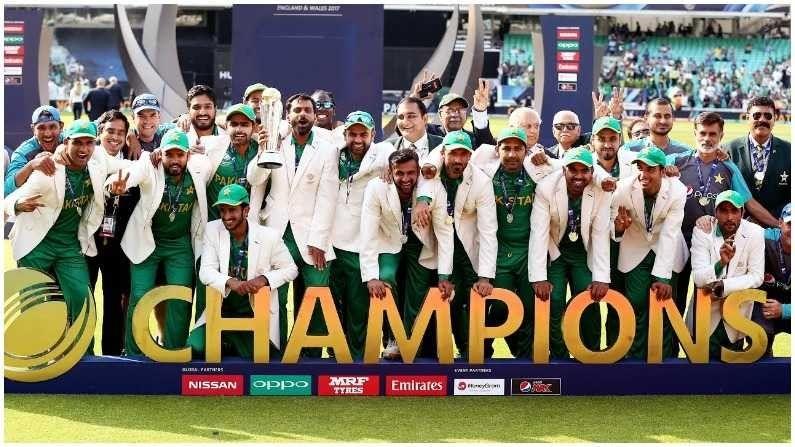 2017 मध्ये आयसीसी चॅम्पियन्स ट्रॉफी पुन्हा एकदा आयोजित करण्यात आली होती. भारत आणि पाकिस्तानने अंतिम फेरी गाठली. टीम इंडिया आपला इतिहास कायम ठेवून आयसीसी स्पर्धांमध्ये पाकिस्तानविरुद्धचा सामना जिंकेल, असा सगळ्यांना विश्वास होता. पण सरफराज अहमदच्या नेतृत्वात असलेल्या पाकिस्तान संघाने हे होऊ दिले नाही. पाकिस्तानचा संघ चॅम्पियन्स ट्रॉफीचा विजेता बनला.