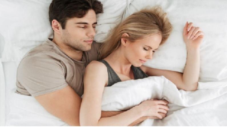 11 ते 18 वयोगटातील तरूणांना सुमारे 9 तासांची झोप आवश्यक असते. तर 18 वर्षांपेक्षा जास्त वयाच्या लोकांना सरासरी 8 तास झोपेची आवश्यकता असते. वृद्धांसाठी देखील 8 तास झोप आवश्यक असते.