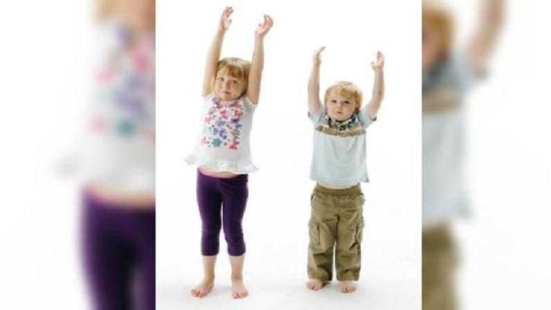 ताडासनामुळे शरीराच्या स्नायूंना ताण येतो. हे मुलांची तंदुरुस्ती टिकवून ठेवण्यास मदत करते. हे मुलांची उंची सुधारण्यात मदत करते. त्याला इंग्रजीत माउंटन पोझ असे म्हणतात.