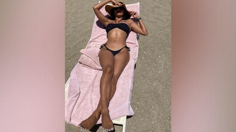 बॉलिवूड अभिनेत्री ईशा गुप्ता सध्या स्पेनमध्ये आहे. तिथून ती तिचे फोटो सोशल मीडियावर शेअर करत आहे.