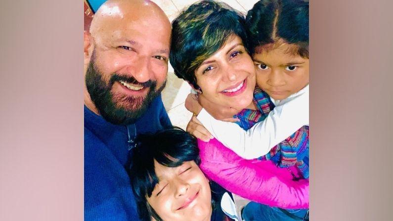 प्रख्यात अभिनेत्री मंदिरा बेदी (Mandira Bedi) हिच्या पतीचे निधन झाले. हृदयविकाराच्या धक्क्याने दिग्दर्शक राज कौशल (Raj Kaushal) यांची प्राणज्योत मालवली. मुंबईतील रुग्णालयात उपचारादरम्यान त्यांनी अखेरचा श्वास घेतला.