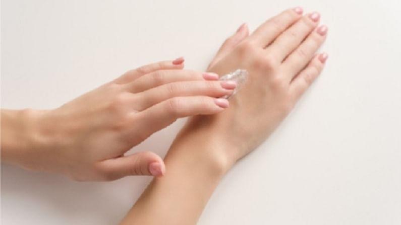 सूर्यप्रकाशाच्या किरणामुळे आपल्या हातांवर टॅनिंग आणि कोरडेपणा यासारख्या समस्या निर्माण होतात. आपण काही घरगुती उपाय करून या समस्या दूर करू शकतो.