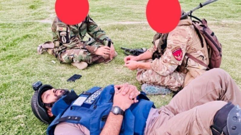 दानिश सध्या तालिबान आणि अफगाणिस्तानमधील संघर्ष कव्हर करत होते. यावेळी ते सैन्याच्या बरोबरीने धावपळ करत या घटना कव्हर करत होते. त्यात आराम करणंही शक्य नव्हतं. सलग 15 तास चाललेल्या सैन्याच्या मोहिमेत तेही जीव धोक्यात घालून याचं रिपोर्टिंग करत होते. 15 तासांनी त्यांना 15 याच धावपळीतून 15 मिनिटांचा मिनिटांचा ब्रेक भेटला. तेव्हा त्यांनी हा फोटो शेअर केला होता. याच संघर्षाला कव्हर करताना त्यांचा मृत्यू झाला.