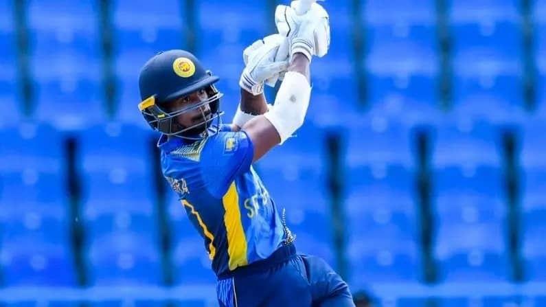 अशेन बैंडरा (Ashen bandera) याने नुकतीच वेस्टइंडीज संघाविरुद्ध आंतरराष्ट्रीय एकदिवसीय क्रिकेटची सुरुवात केली. त्याने सुरुवातीला उत्कृष्ट खेळी करत सुरुवातीच्या सामन्यांमध्येच 50, 18 आणि नाबाद 55 धावांची खेळी केली. फिरकीपटूंविरुद्ध अशेनची खेळी अप्रतिम असल्याने भारतीय वेगवान गोलंदावर त्याला बाद करण्याची जबाबदारी अधिक असेल.